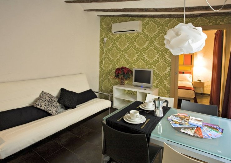 Two-bedroom apartment (1-6 persons) ciutat vella apartaments barcelona