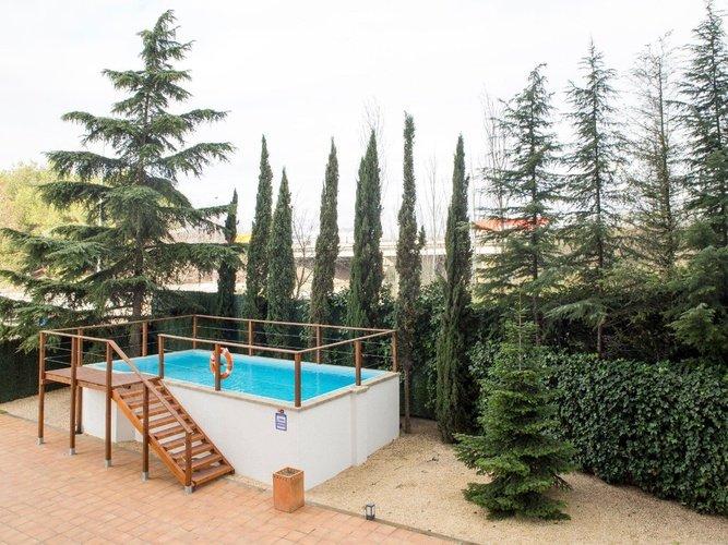Swimming pool Porta de Gallecs Hotel Mollet del Vallés