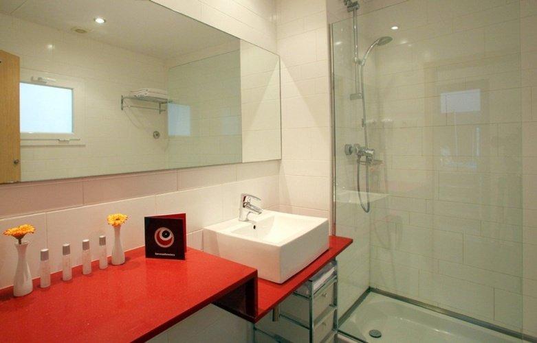 Bathroom Ciutat Vella Apartaments Barcelona