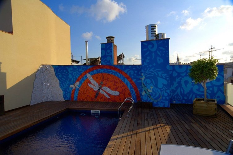 Swimming pool ciutat barcelona hotel